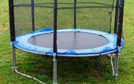 Wspaniały Jaka najlepsza trampolina do ogrodu, fitness i dla dzieci? Ranking QT38